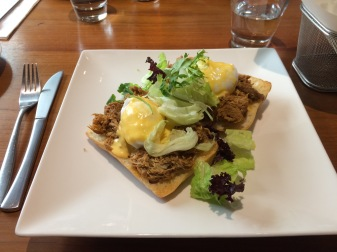 Pulled Pork Eggs Benedict--YUM